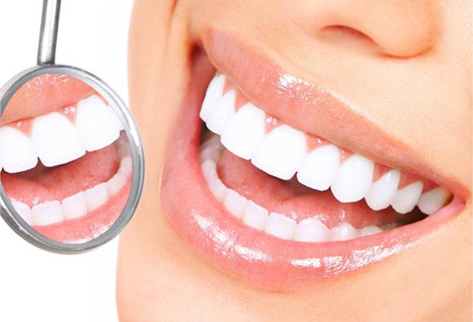 Как эффективно отбелить зубы в домашних условиях?