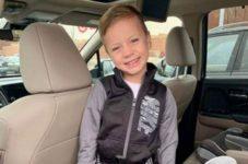 5-летний мальчик покинул реанимацию после того, как его сбросили с балкона третьего этажа Mall of America