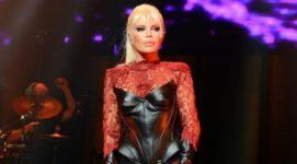 71-летняя турецкая певица шокировала молодой внешностью