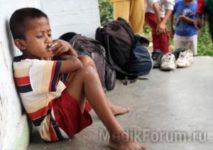 8-летний мальчик курит по пачке сигарет в день (ФОТО)