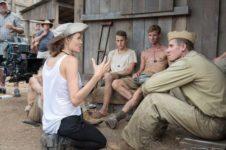 Анджелина Джоли похудела из солидарности с актерами