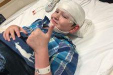 «Его тело становится гробницей»: Из-за редкой болезни 14-летний мальчик заживо превращается в камень. У семьи есть последний шанс его спасти