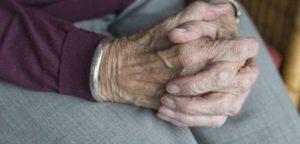 Не упустить момент: когда нужно оформлять в дом престарелых