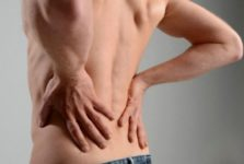Инъекции воды с солью вылечат боли в спине