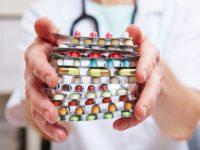 Из российских аптек исчезают дешевые лекарства, пишут СМИ