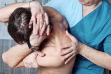 Остеопатия и остеопаты: виды, особенности, способы лечения