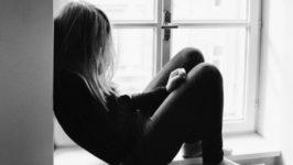 «Я ничего не чувствую». Последствия эмоционального пренебрежения в детстве