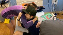 Медсестра спасла жизнь 8-летнего мальчика, пожертвовав ему часть своей печени