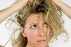 Причина непослушных волос - водопроводная вода