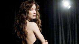 Разведенная Виктория Дайнеко начала оголяться