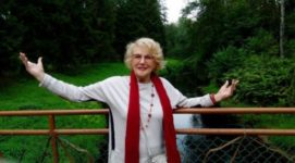 Сеть в шоке: 81-летняя Светлана Дружинина показалась в купальнике