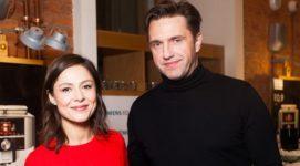 СМИ: актриса Елена Лядова ждет ребенка от Вдовиченкова