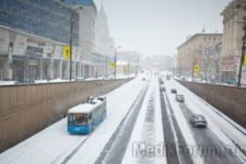 Снегопады в Москве продолжаются: гипотоникам — хуже всех