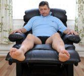 Токсичное кожаное кресло отравило жизнь