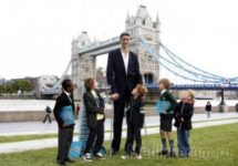 Врачи остановили рост самого высокого человека в мире