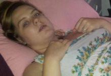 Врачи потребовали от 19-летней девушки срочно забеременеть и родить