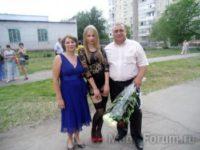 Выпускница школы получила аттестат в костюме проститутки (ФОТО)