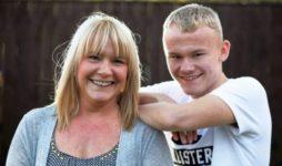 Женщина узнала о раке груди, когда сын бросил в нее мячиком