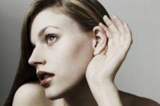 Женщины используют слухи против соперниц