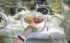 Живой младенец провел 12 часов в морге